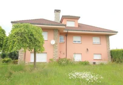 Casa a Carretera Oviedo-Gijón, nº 12
