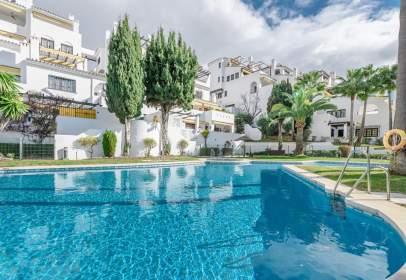 Apartament a Nueva Andalucía-Centro