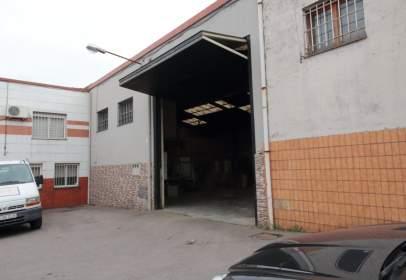 Nau industrial a Avenida de Lloreda, nº 60
