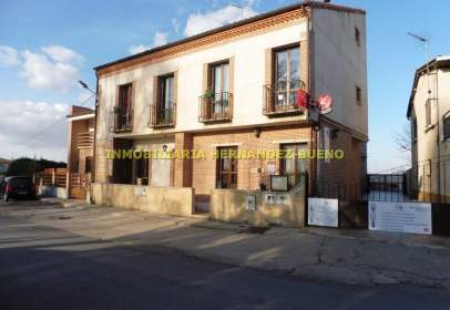Edificio en Huerta
