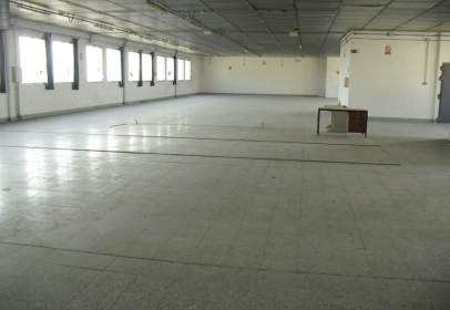 Nau industrial a M-Centre