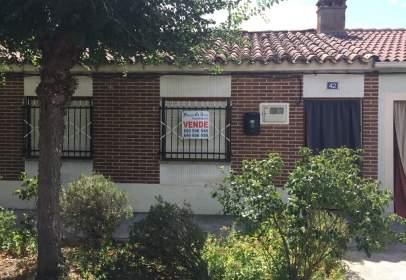 Casa adosada en Avenida Valladolid