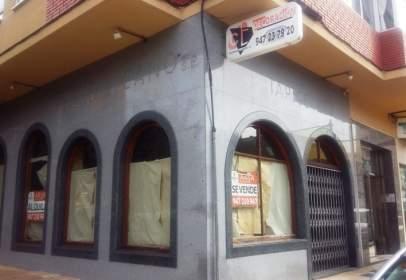 Local comercial a Plaza de la Constitución