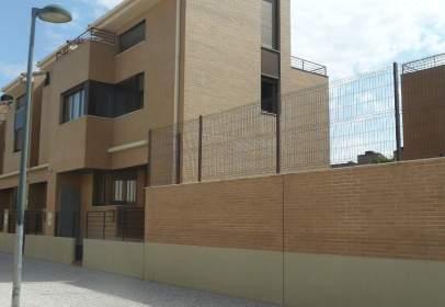 Casa unifamiliar a calle Tomeo Estallo