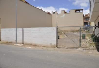 Terreno en calle Atacaite