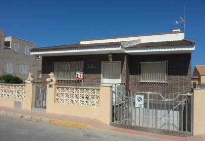 Casa unifamiliar en calle Argentina