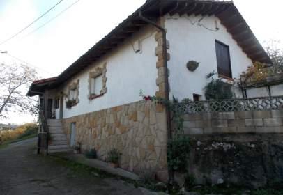 Casa pareada en calle Caxiges