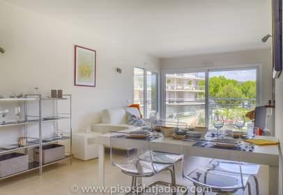 Apartment in calle Punta Prima,  3