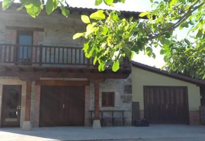 Casa en Avenida Monte
