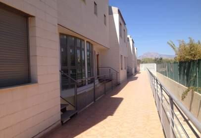 Xalet aparellat a calle Riu Girona
