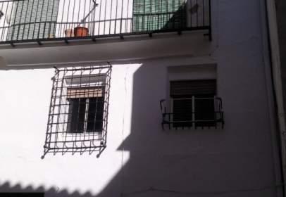 Casa adosada en calle Caballeros, nº 10