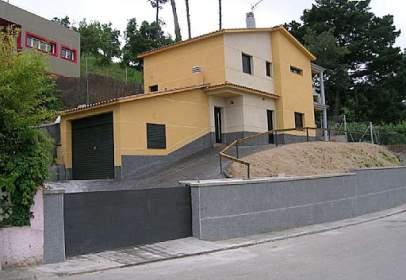 Casa en Avenida del Montseny, nº 99