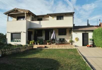 Single-family house in Travesía Anselmo de la Orden, nº 82