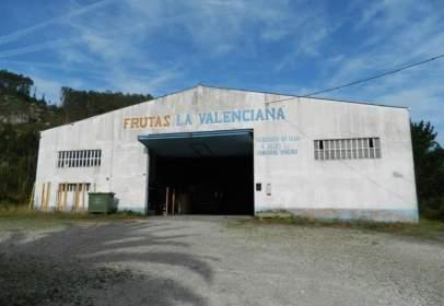 Industrial building in calle Barrio del Cristo, nº 1