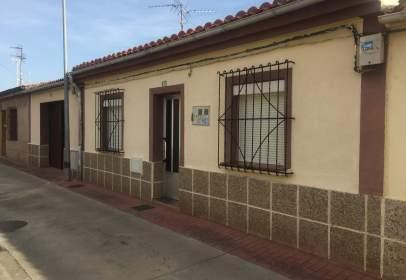 Terraced chalet in calle Santa Ana, nº 21