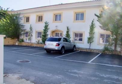 Edificio en Carrer Serra Ponoig, 26