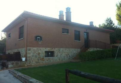 Single-family house in Carretera de Navarrete, nº 19