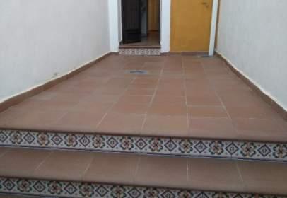 Casa adosada en calle Baja, nº 63