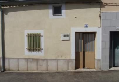 Casa adosada en calle Hernan Cortes, nº 35