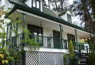 Single-family house in Urbanización Patricia, nº 166