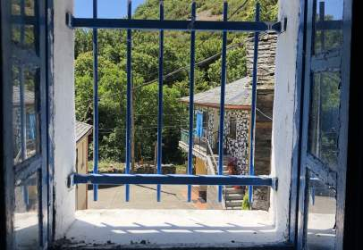 Rustic house in calle de la Cortina, nº 26