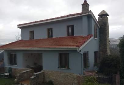 Single-family house in calle Villaves Alto, nº 54