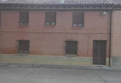 House in Avenida del Arrabal, 65