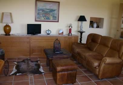 Single-family house in calle Valdemolcinos, nº 35