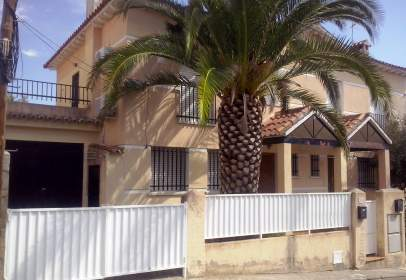 Paired chalet in calle Las Olivas, nº 36