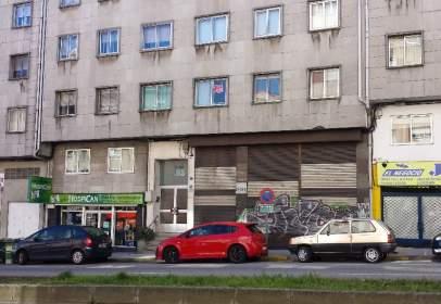 Piso en Avenida Rosalia de Castro, nº 31