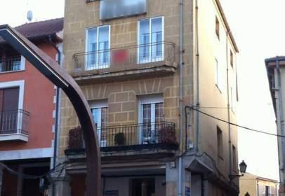 Flat in calle Empecinado, nº 1