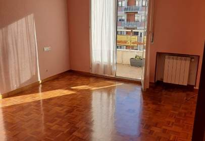 Flat in Avenida de Gasteiz, 51