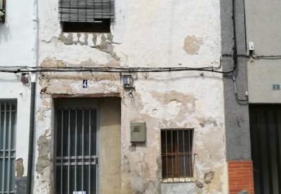 Paired house in calle San Luis, nº 4