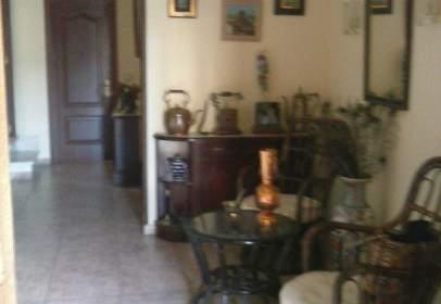 Casa adosada en calle Pozo Nuevo, nº 2
