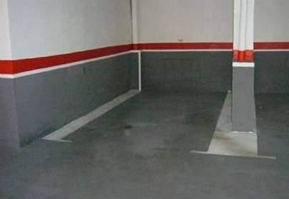 Garage in Centre