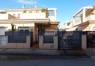Casa en calle Mirlo