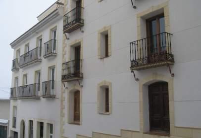 Piso en calle Postigos, Edif. Jaén