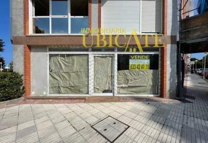Commercial space in calle del Pintor Eleazar Ortiz