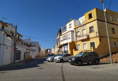 Piso en calle de Domingo Savio