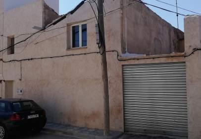 Casa adosada en calle Malvira, nº 12