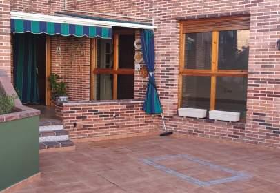 Casa adosada en Plaza Peñeras, 23