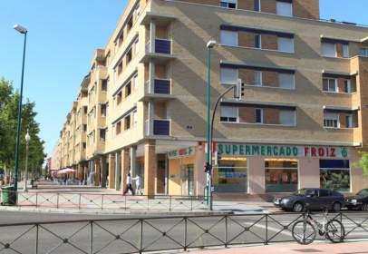 Flat in Paseo de Zorrilla, 352, near Calle de los Vinos de Toro