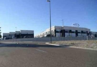 Industrial building in calle de la Retama,  17