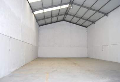 Nave industrial en calle Roble