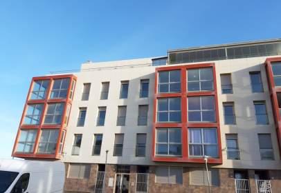 Pisos de 1 y 2 dormitorios en Adra