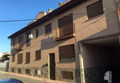 Pis a calle Castro Carpetano,  6-8